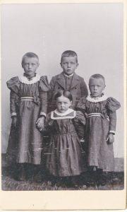Nils Jonsson och Kerstin Göransdotters barn, Rise. Bilden tillhör Ruth Jönses